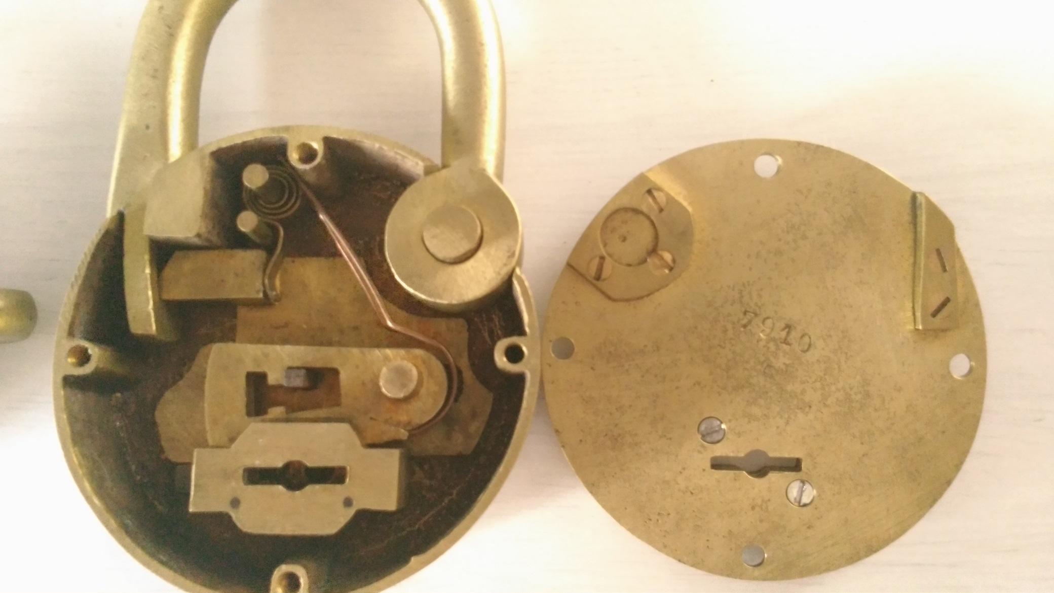 58019d0221c Fabrication clef pour cadenas deny ancien - locksport.fr