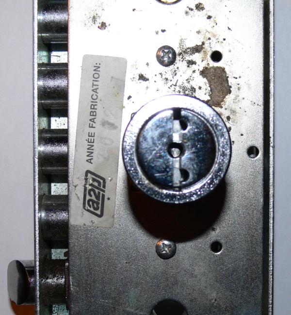 serrure A2P à pompe crochetée